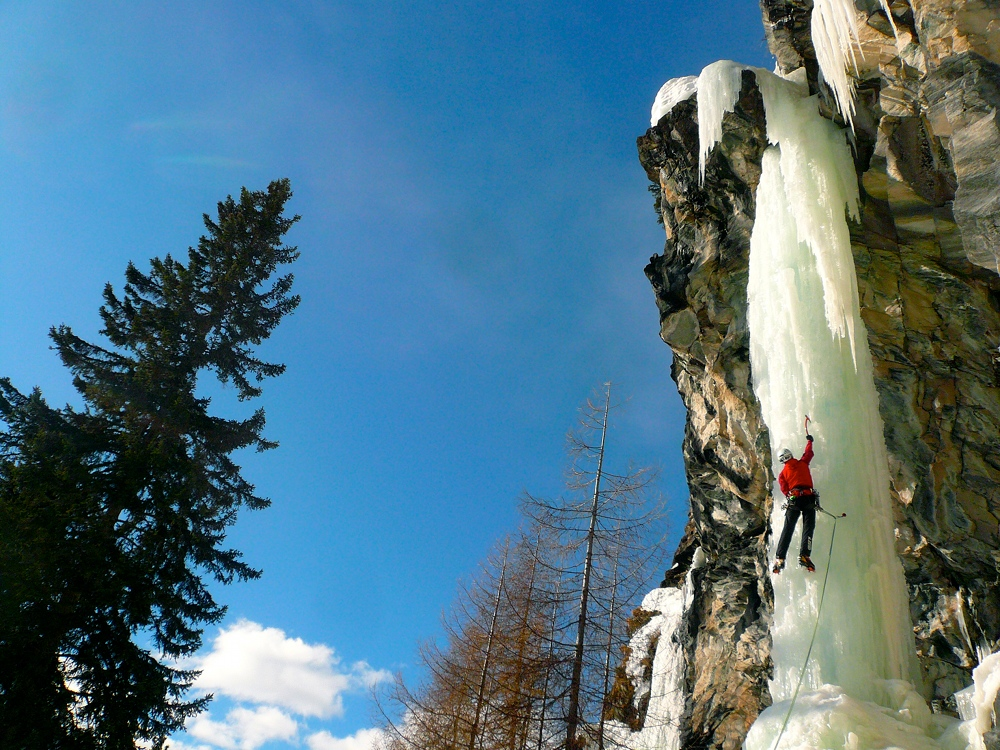 Franscia_ghiaccio_tempesta_salini_climbing
